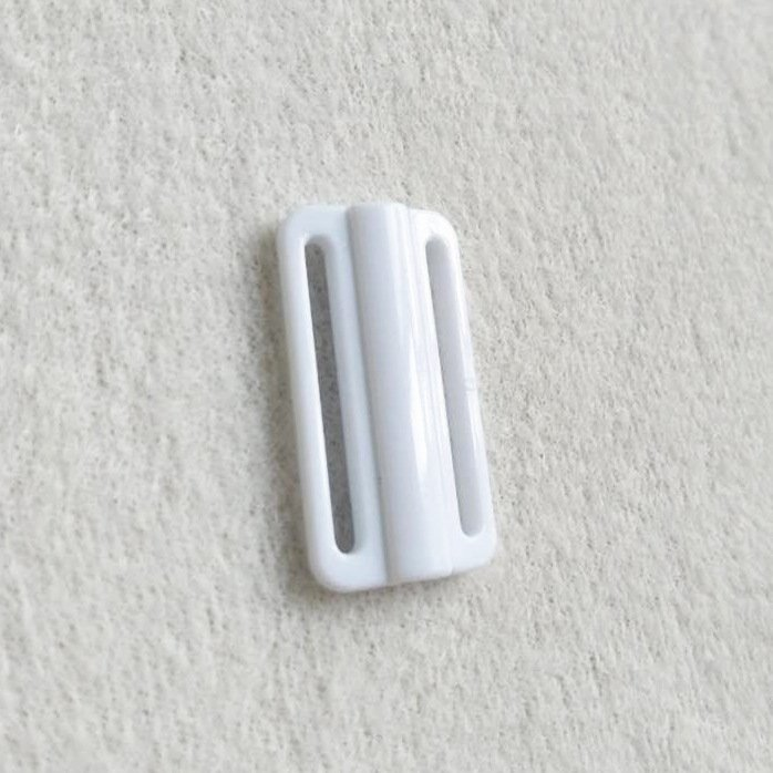 Mayrose-Plastic Front closure Buckle clear Clasps L22F21 | Bra Hook To Mak-1