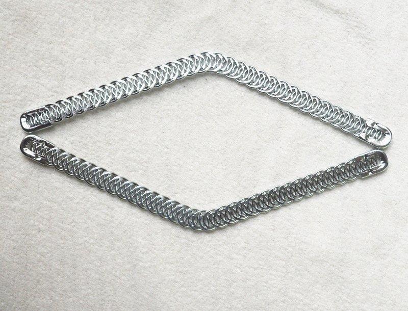 Spiral boning V shape